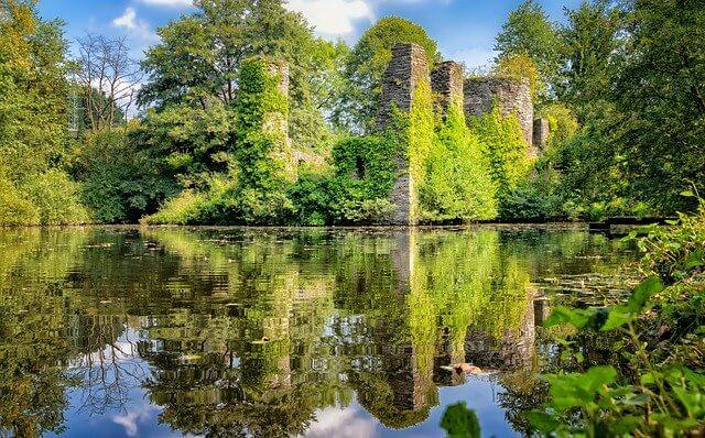Burgruine - Wasserschloss