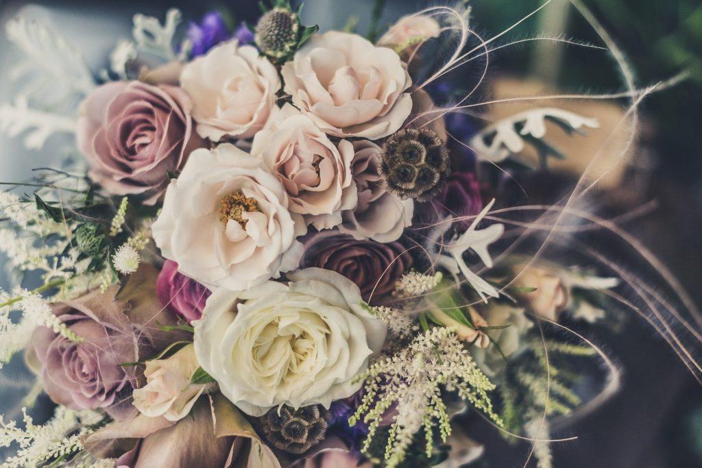 Romantische Blumenstraußdeko