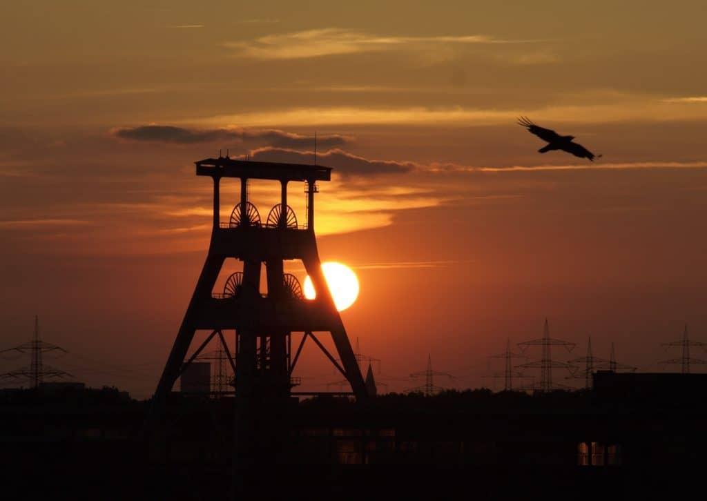 Zeche im Sonnenuntergang